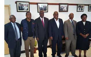 Former Zambian President Rupiah Banda and EISA Executive Director Denis Kadima with former Tanzania President Ali Hassan Mwinyi (EAC HoM), former Nigerian President Olesegun Obasanjo (Commonwealth HoM) and Justice Sophia Akuffo (AU HoM)
